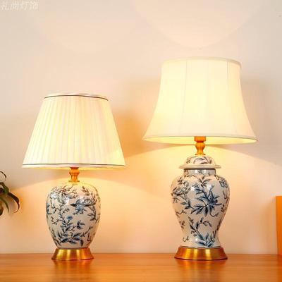 中式手绘台灯图片