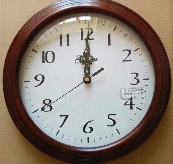 艺森实木静音艺术钟简约现代时尚田园客厅挂钟欧式