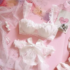 日系少女花嫁新娘白色花瓣草莓蕾絲聚攏有鋼圈大碼文胸套裝內衣