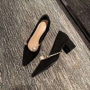 法式珍珠高跟鞋女尖頭粗跟單鞋女2020春季新款中跟淺口黑色工作鞋