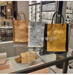 新加坡小CK新款牛皮纸袋CK2-30270243褶皱复古女士杜邦纸袋托特包