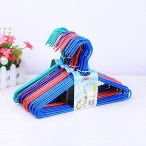 儿童小孩晾衣架新生婴儿幼儿衣撑子挂衣服架子小号家用多功能塑。
