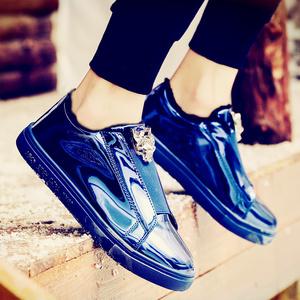 漆皮亮面板鞋2019新款懒人休?#34892;?#30007;韩版潮流板鞋男网红镜面皮鞋男