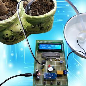 51单片机土壤湿度检测智能浇花控制系统温度 光照报警diy电子套件