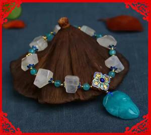 天然月光石随形创意手链搭配天河石烤蓝配饰点缀天河石树叶吊坠