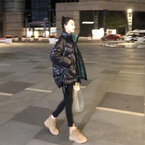 黑色亮面羽绒服女2019年冬季新款韩版宽松爆款白鸭绒短外套面包服