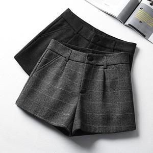 毛呢短裤女秋冬2019新款格子韩版高腰加厚阔腿裤冬天外穿呢子靴裤