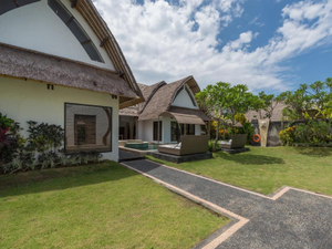 Villa Seminyak Estate & SpaVilla with Lagoon View_大床/双床