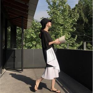 欧洲站夏季2019新款女装法式少女设计感?#37319;?#28207;味复古温柔风连衣裙