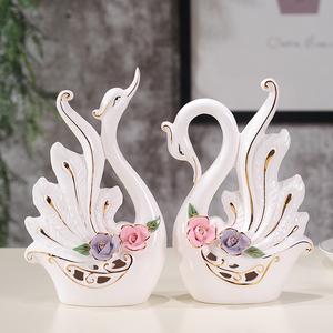 創意陶瓷天鵝小擺件工藝品家居客廳酒柜電視柜玄關裝飾品結婚禮物