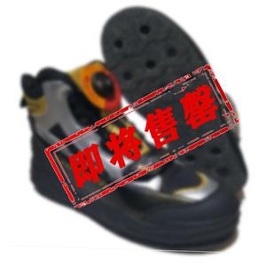 釣魚鞋磯釣鞋 登礁防滑防水 超輕男款海釣透氣毛氈鋼釘鞋新款包郵