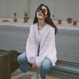 倪妮明星同款針織開衫短款外套女紫色寬松慵懶風加厚粗棒針毛衣冬