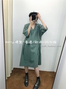 香港W.Amber 2019初秋 灰綠色V領抽繩褶皺寬松休閑羊氣直筒連衣裙