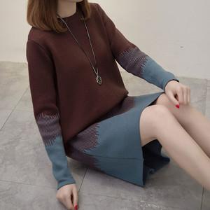 色妹妹偷拍网_胖妹妹大码女装拼色中长款毛衣套头宽松大版秋冬针织衫过膝连衣裙