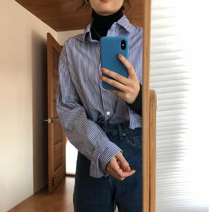 蓝色条纹衬衫女设计?#34892;?#20247;长袖衬衣女2019新款宽松内搭打底衫秋冬