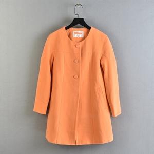 1109秋冬季時尚尾貨白菜價韓版斷碼應季橙色紐扣式邊褶潮流短外套