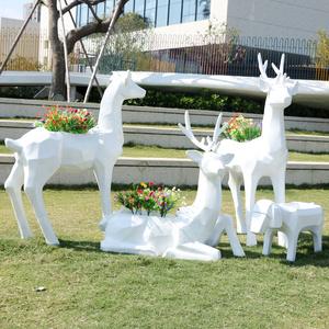 几何梅花鹿摆件玻璃钢动物抽象雕塑户外园林庭院景观小品商业美陈