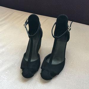 坡跟涼鞋女夏2019新款歐美镂空拼色32小碼33包頭一字扣羅馬高跟鞋
