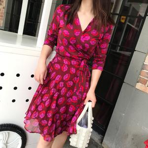 玫瑰拼接雪紡秋季大碼系帶裹身裙短款大擺飄逸度假茶歇裙連衣裙女