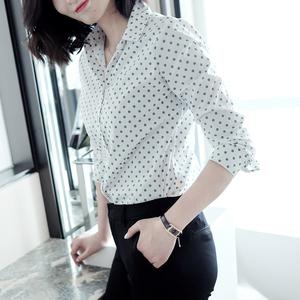 脫穎而出的清雅!白底綠色小波點襯衫女設計感襯衣2020春夏新款