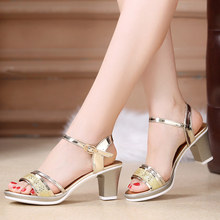 Leather high-heeled shoes gold silver word buckle ladies shoes 682017 summer sandals female rough with the Korean version of the new light
