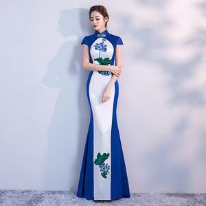 2019新款春秋青花瓷修身改良鱼尾旗袍裙长款舞台走秀表演出服装女