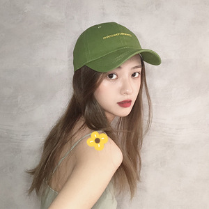 牛油果绿色帽子女夏天时尚百搭小字母棒球帽弯檐休闲鸭舌帽遮阳帽