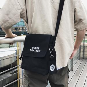 2019新款日系原宿风帆布单肩斜挎包男简约港风潮牌学生休闲小挎包