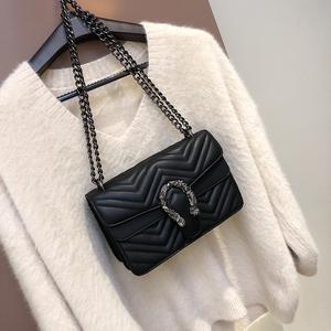 上新小包包女2018新款韩版休闲链条单肩包冬季时尚百搭斜挎小方包