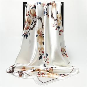 杭州丝绸丝巾女士大方巾中老年妈妈秋冬季款百搭围巾披肩纱巾头巾