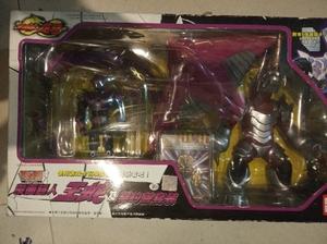 正版万代BANDAI 假面骑士蒙面超人龙骑王蛇及契约兽 绝版手办稀有