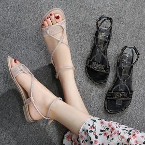 网红水钻蛇形缠绕凉鞋女仙女风2019新款夏百搭平底罗马鞋大码4143