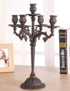 三头蜡烛台