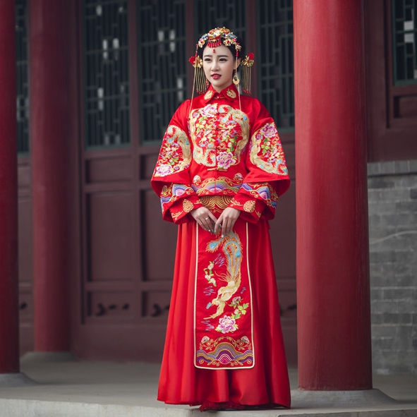 2017 show Wo clothing studio, theme clothing, wedding photography, dragon and Phoenix with costume photo dress, lovers portrait
