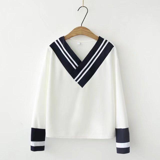 chic V领长袖卫衣女2017新款白色宽松软妹秋装清新原宿外套
