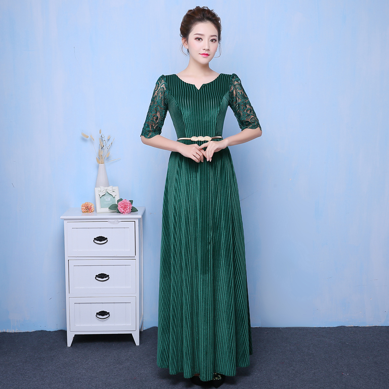 The new chorus costumes in modern dress dress female adult costume dress old chair