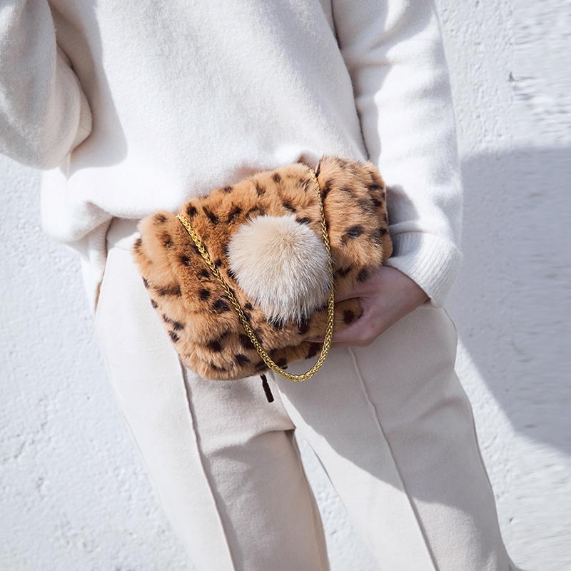 维洛芬毛毛包包女2017新款潮包韩版可爱百搭小豹纹毛绒包包女斜挎
