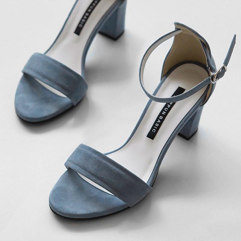 一字扣带凉鞋女粗跟2019夏季新款中跟罗马韩版黑色高跟露趾晚晚鞋