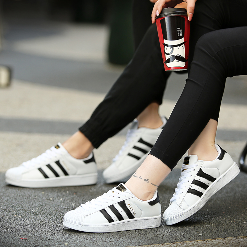 Spring and summer shells 0aidas leisure sports shoes Korean students three stripes of white shoes female couple running shoes