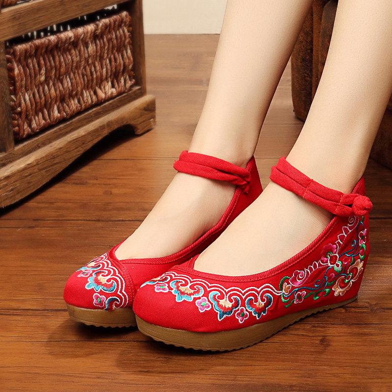 In summer 2016 Beijing old shoes embroidered shoes shoes female buckle shoes auspicious clouds dance folk style shoes
