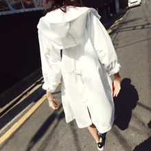 2018 Korean version of the new spring and autumn wear loose long sun protection clothing waist large size hooded white windbreaker jacket female