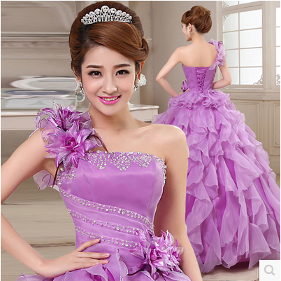 A new single shoulder dress costume dress singing solo stage fluffy skirt section