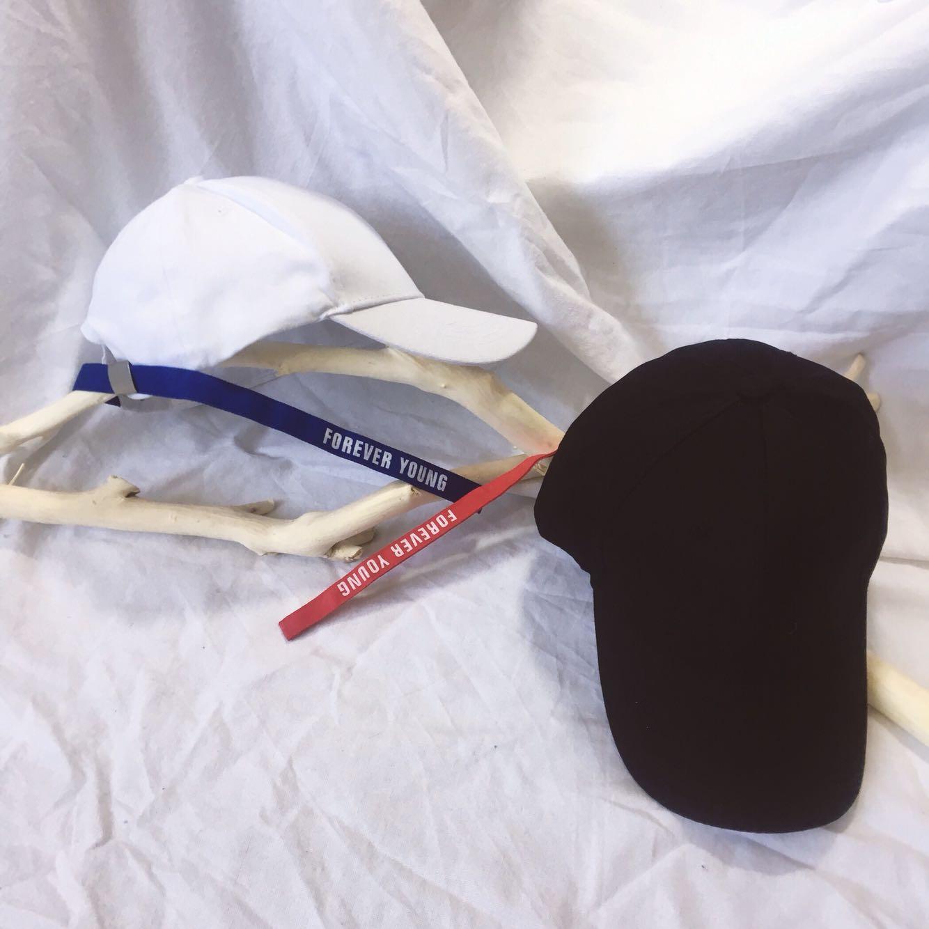 长帽带英文刺绣弯檐棒球帽黑白光板纯色鸭舌帽子男女情侣炫酷帽