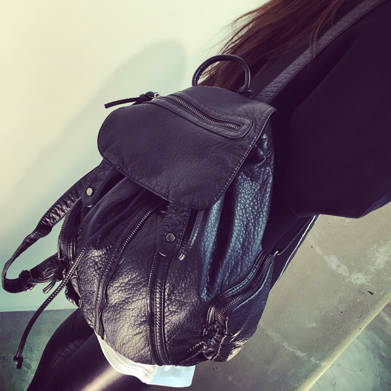 In autumn and winter the new 2015 Korean handbag backpack Travel Leisure simple washing Sheepskin backpack school bag
