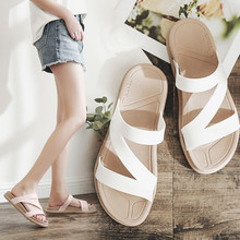 2018 new summer flip flops thick bottom slippers female non-slip sandals fashion flat ladies sandals and slippers wear