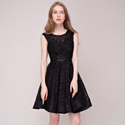 A short black dress skirt banquet evening dress lace gauze shoulders will spring years party dress