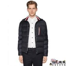 The new MONCLER GAMME BLEU male purchasing alliance had knitted wool collar jacket