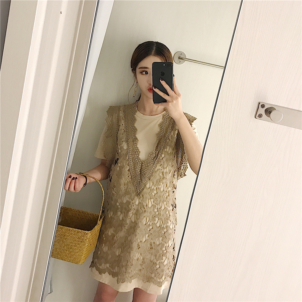 2017 Korea summer new temperament hook flower lace sleeveless vest + blouse T-shirt dress suit female two