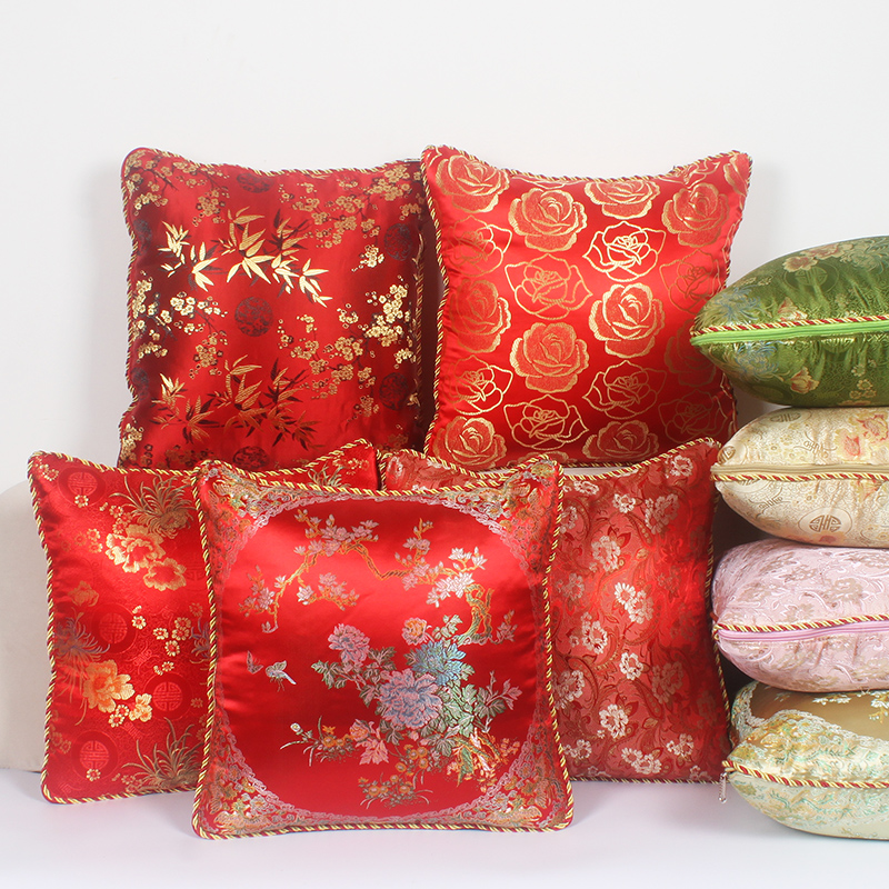 丝绸多功能抱枕被子两用大号靠垫被结婚含芯红色红木沙发靠枕包邮