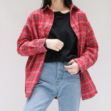 East Gate of the fall of 2017 new BF all-match loose bat sleeve Lapel shirt female red plaid shirt